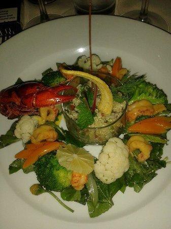 La Varangue : salades aux ecrevisses et quinoa