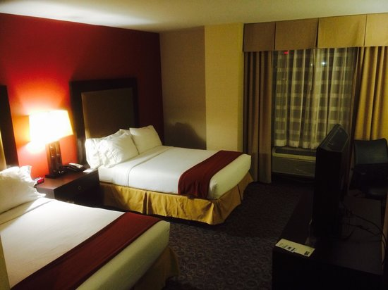 Holiday Inn Express Los Angeles-LAX Airport: Room