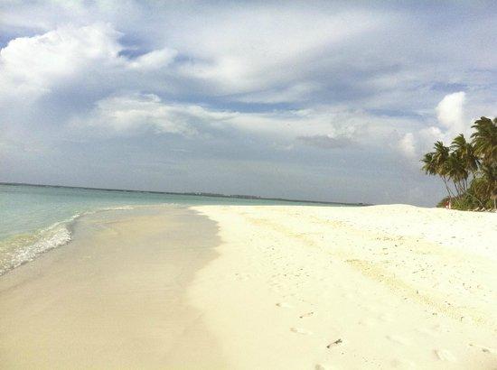 The Sun Siyam Iru Fushi Maldives: Пляж