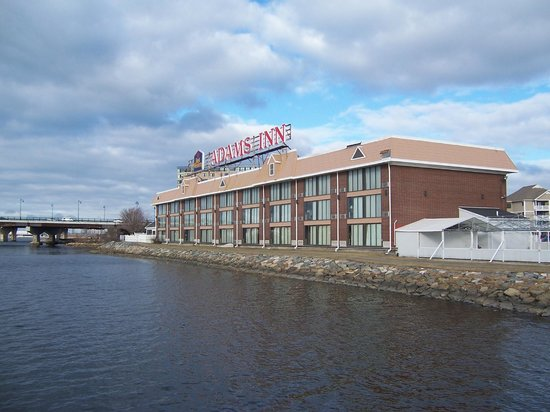 Best Western Adams Inn Quincy-Boston : The place we start and end our vacations
