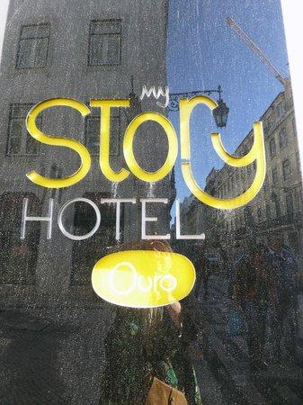 My Story Hotel Ouro: Plaque de l'hôtel