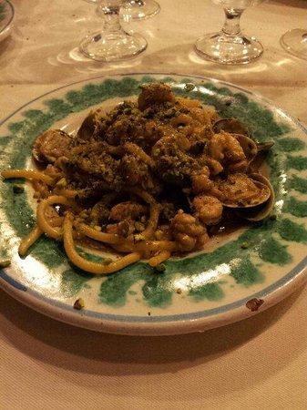 Sicilia in Tavola: La mezza porzione dei divini Spaghetti VGP!