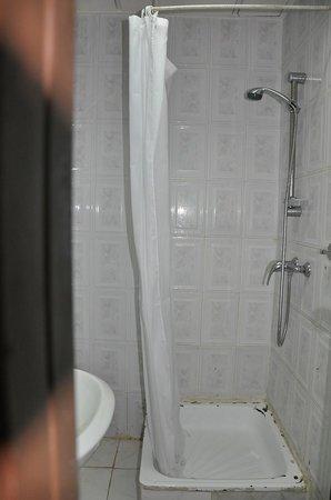 Hotel Yolaka : salle de douche