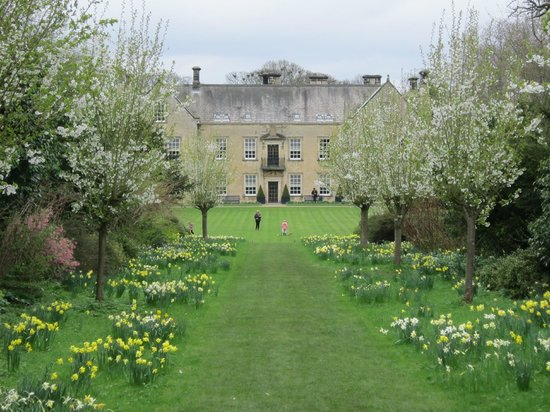 Nunnington Hall: Across the Croquet lawn to the house