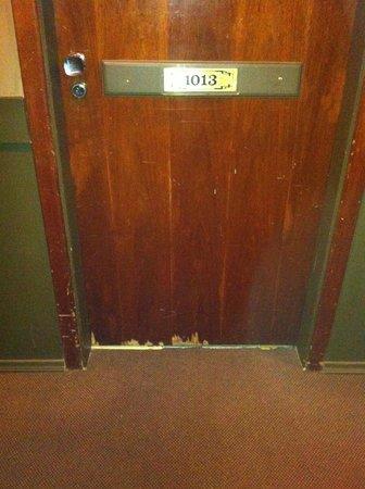 Braston Augusta : Todas as portas estão assim, descascando!