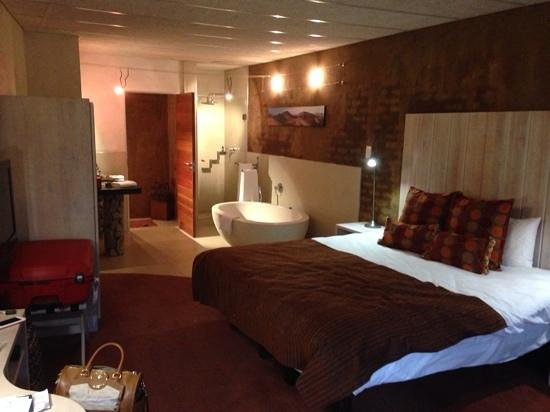 African Rock Hotel: quarto