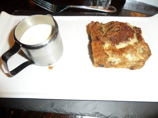 Bryn Tyrch Inn: Bread and Butter pudding