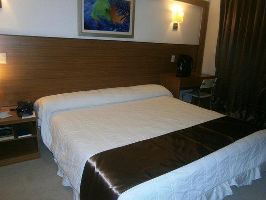 Weston Suites Hotel: Habitación