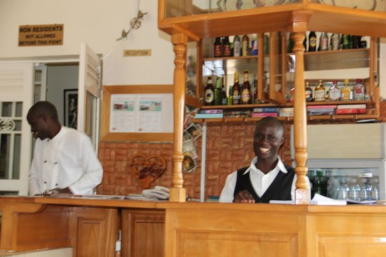 Sunset Entebbe: Bar and dining