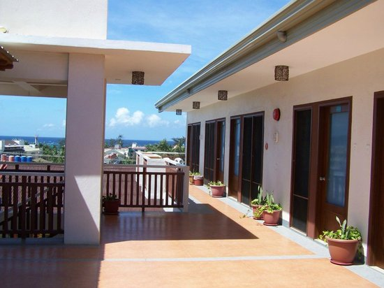 Agos Boracay Rooms + Beds: sun deck
