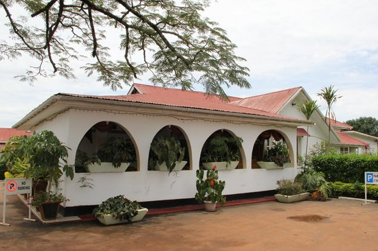 Sunset Entebbe: Dining