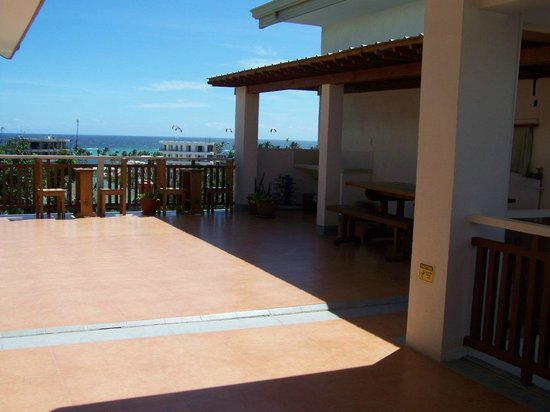 Agos Boracay Rooms + Beds: balcony