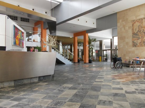 Geranios Suites & Spa: Its not that dull