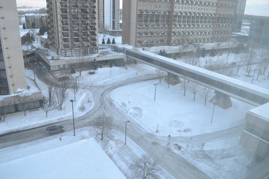 Sandman Hotel Montreal-Longueuil : Vista