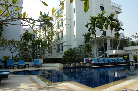 Tara Angkor Hotel : The pool