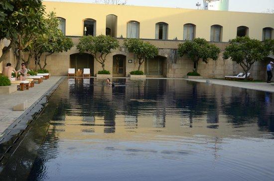 Trident, Gurgaon : Swimming pool