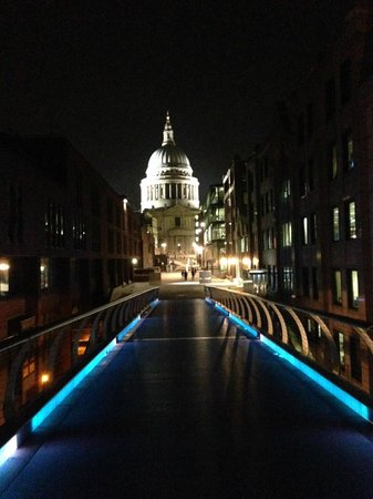 Grange St. Paul's Hotel: From millennium bridge looking back to St. Paul's