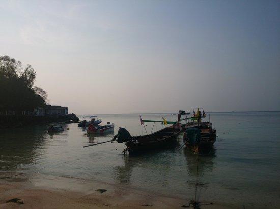 Haadtien Beach Resort: Gorgeous bay