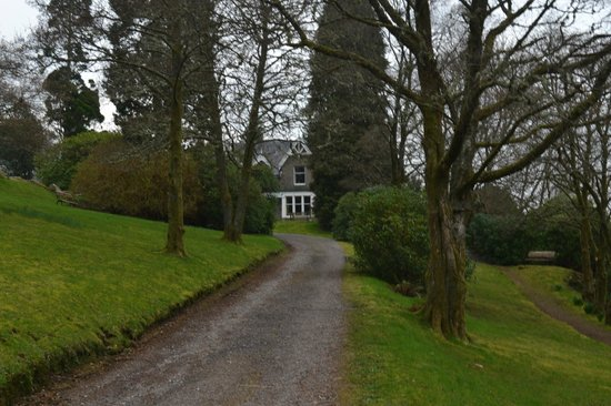 Letterfinlay Lodge Hotel: Approach