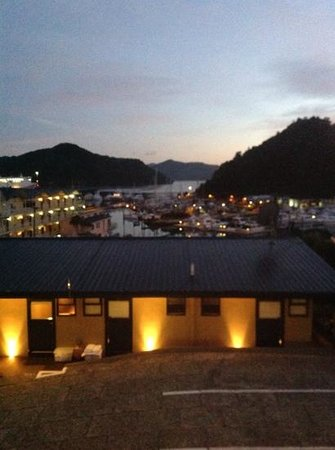 Harbour View Motel Picton: dusk view