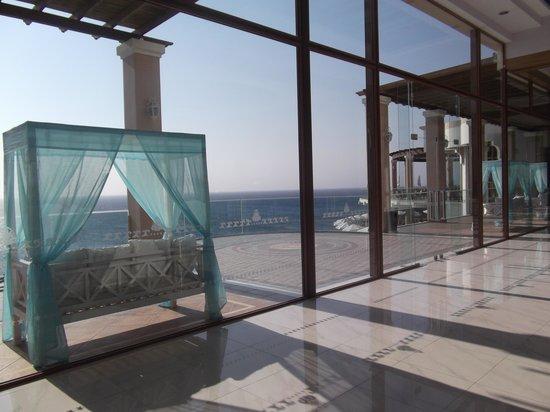 Atrium Prestige Thalasso Spa Resort and Villas: i baldacchini per godersi il paesaggio