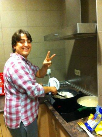 Mad4You Hostel: Con REY (BRA)