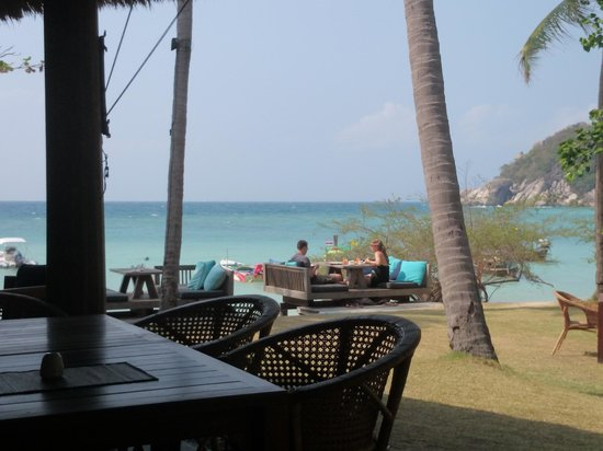 Haadtien Beach Resort: View from breakfast