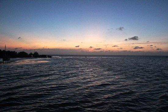 Isla Marisol Resort: Another amazing sunset