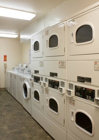 Value Place Des Moines, Iowa (Pleasant Hill): 24 Hour Laundry Room