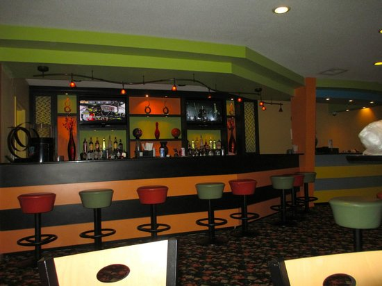 Coral Beach Resort & Suites: Bar in Recreation Area