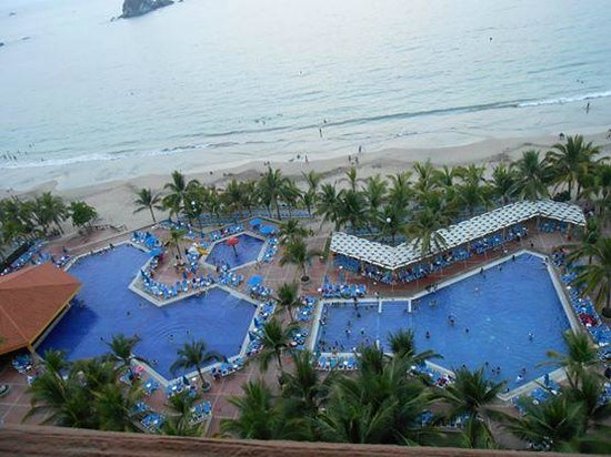 Barcelo Ixtapa Beach: My Mom and stepdads Penthouse(executive room) view