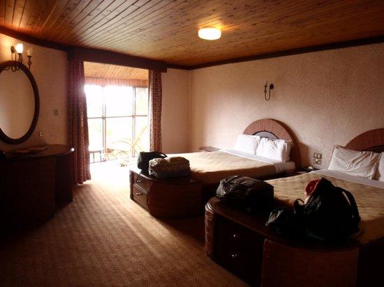 Ngorongoro Sopa Lodge : Nice big room!