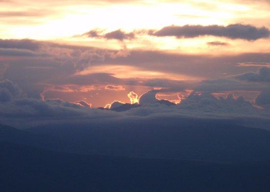 Ngorongoro Sopa Lodge : Pretty sunset