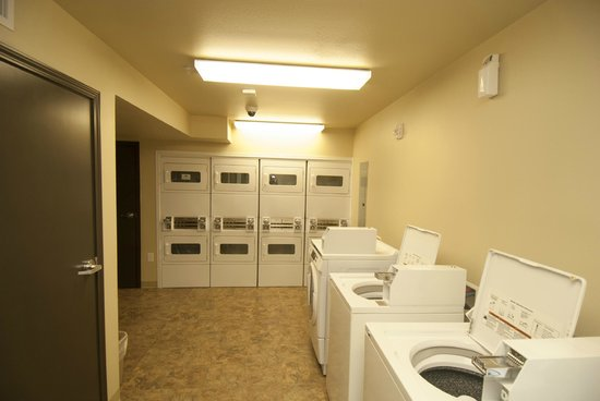 WoodSpring Suites Williston: Guest Laundry
