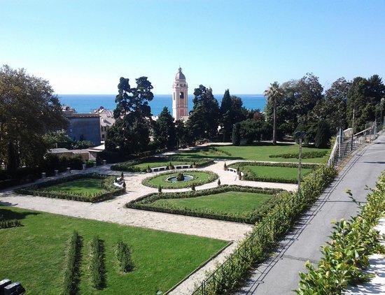 Villa Duchessa di Galliera : Il Giardino all'Italiana appena restaurato