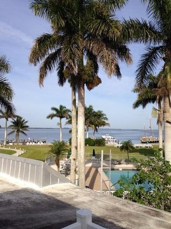 Tarpon Lodge & Restaurant: view from the Sanibel room