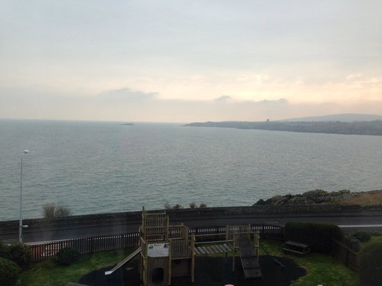 Trecastell Hotel: The view from the front bedrooms/breakfast room/bar