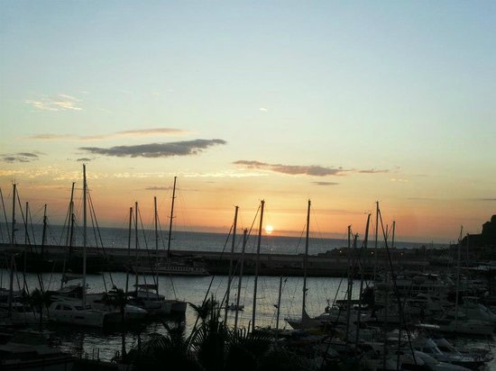 Marina Suites: sunset view