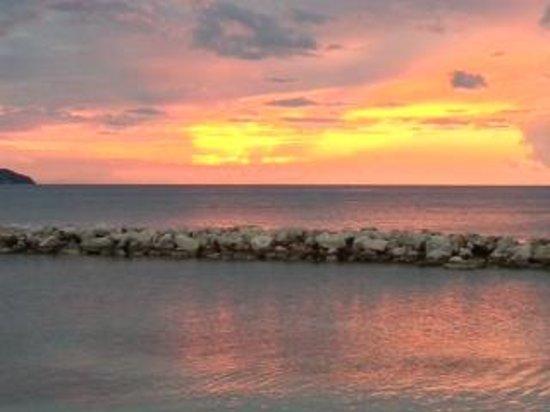 Sunscape Splash Montego Bay : sunset from hotel