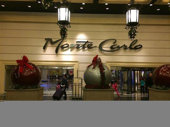 Monte Carlo Resort & Casino: cuando llegamos la entrada