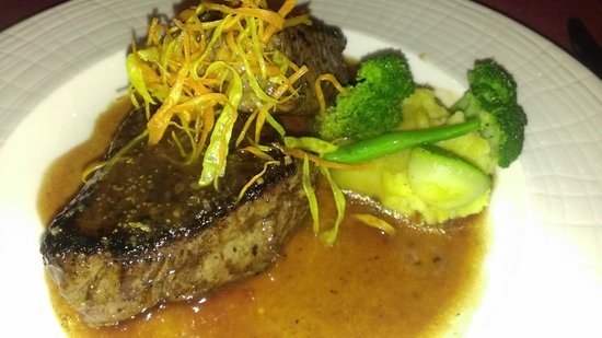 Now Jade Riviera Cancun Resort & Spa: Steak at Cin Cin. Double Portion. Excellent.