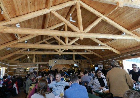 Wheelers Pancake House and Sugar Camp: The beautiful log work inside the dining hall