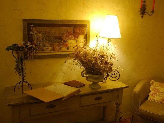 Le vieux Moulin de Crillon: Living room La Riviere