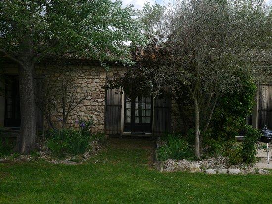 Le vieux Moulin de Crillon: La Riviere French doors of the bedroom