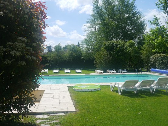 Le vieux Moulin de Crillon: Pool