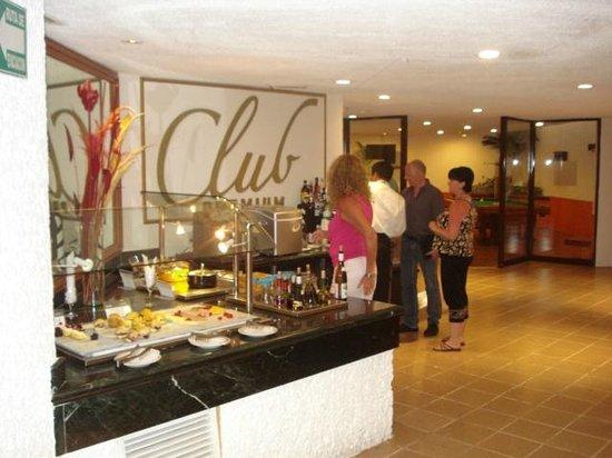 Barcelo Huatulco Club Premium