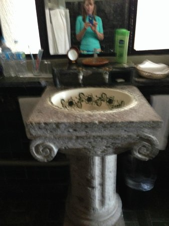 Quinta Maria Cortez: Bath sink