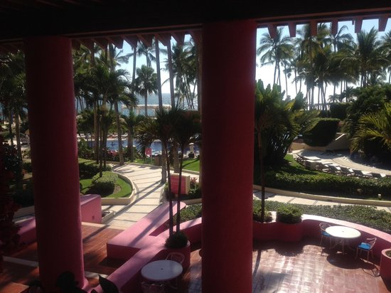 Club Regina Puerto Vallarta: view from the lobby toward the pool