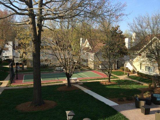 Residence Inn Winston-Salem University Area: Sports court