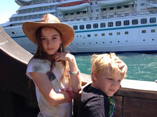 Santa Maria: Very near the cruises